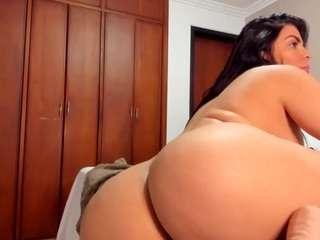 Valeriecruz live sex chat
