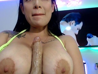 Ariiees live sex chat