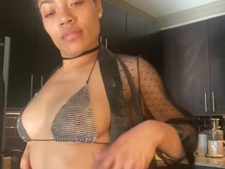 Kellis live sex chat