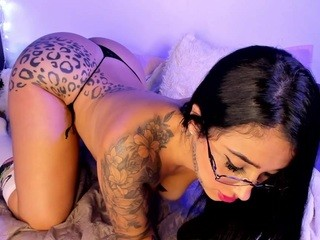 Debbiecross live sex chat