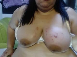 karly-boobs