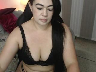 Selene-wills live sex chat