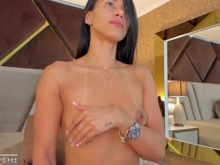 Videochat with Jasminehill webcam model
