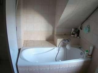 voyeurcam-julmodels-bath-2nd