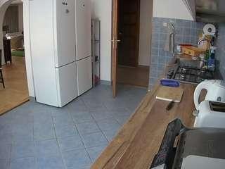 voyeurcam-julmodels-kitchen camsoda