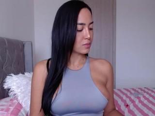 Karinadavalos live sex chat