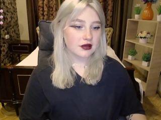 Videochat with Valeri-brigh webcam model