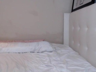 January-rose live sex chat