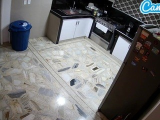 Voyeurcam-latina-babe-kitchen