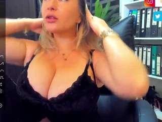 Videochat with Newlisa2018 webcam model