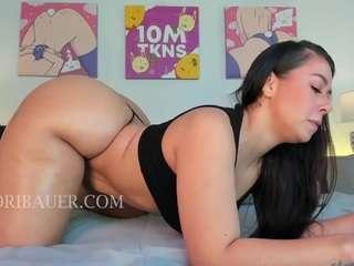 Loribauer live sex chat